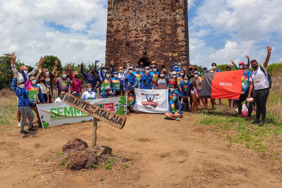 Domingo de trilha ecológica ao Mirante Atalaia e corrida de canoa em Forte Velho