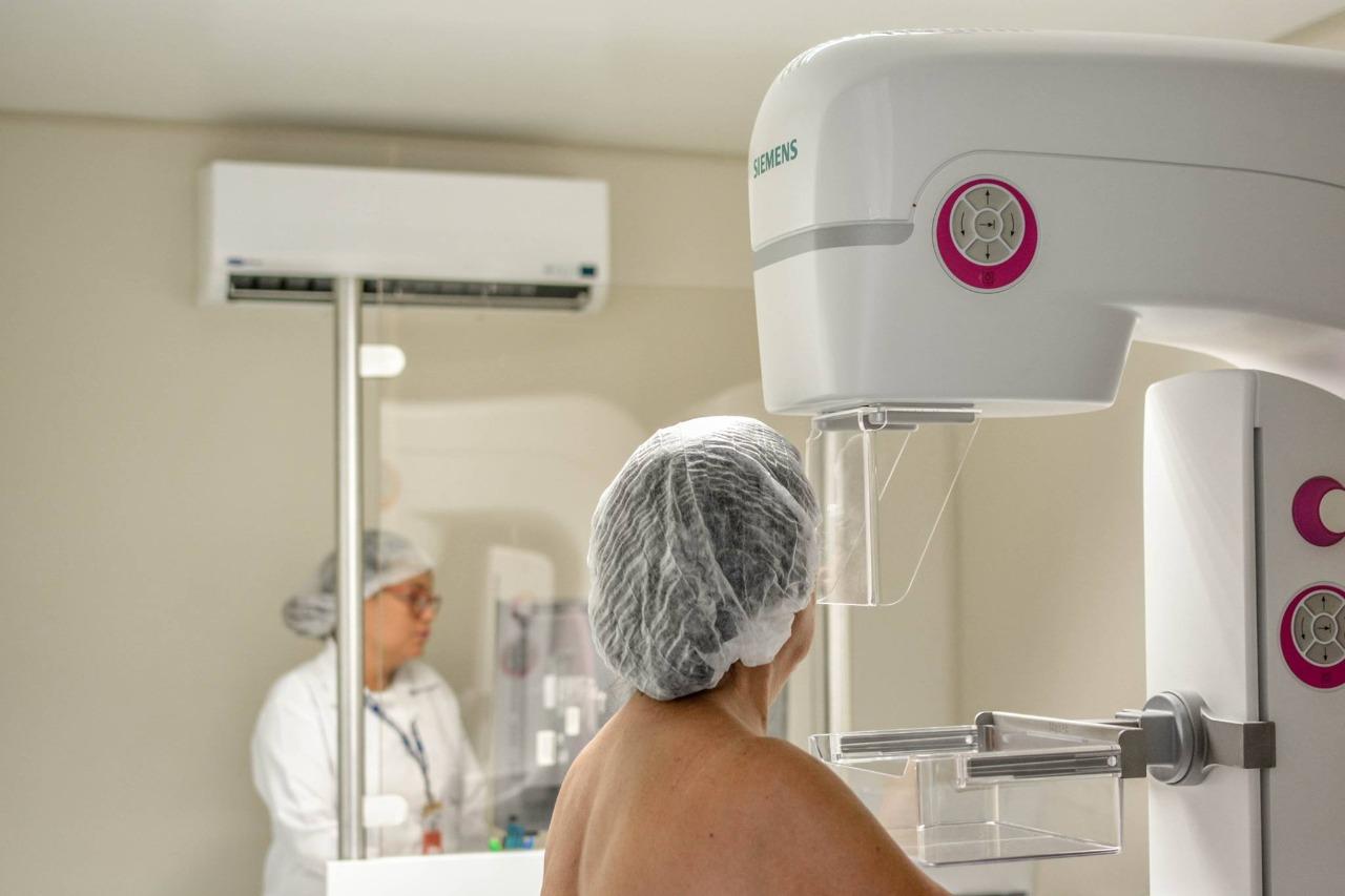 Secretaria de Saúde orienta mulheres a partir de 40 anos a fazerem mamografia